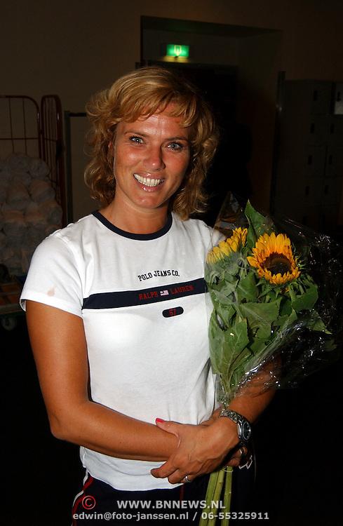CD musical Mamma Mia op de 1e plaats in de verkoop, o.a. Dominique van Vliet