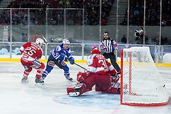 03.01.2015, Klagenfurter Wörthersee Stadion, Klagenfurt, AUT, EBEL, EC KAC vs EC VSV, 35. Runde, in picture Brock McBride (EC VSV, #10) vs Rene Swette (EC KAC, #30) and Kirk Furey (EC KAC, #25) during the Erste Bank Icehockey League 35. Round between EC KAC and EC VSV at the Klagenfurter Wörthersee Stadion, Klagenfurt, Austria on 2015/01/03. Photo by Matic Klansek Velej / Sportida