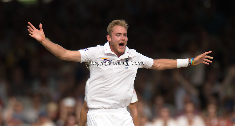 Bowler Stuart Broad appeals as Alviro Petersen is lbw during the third and final Investec Test Match between England and South Africa at Lord's Cricket Ground, London. Photo: Graham Morris (Tel: +44(0)20 8969 4192 Email: sales@cricketpix.com) 18/08/12
