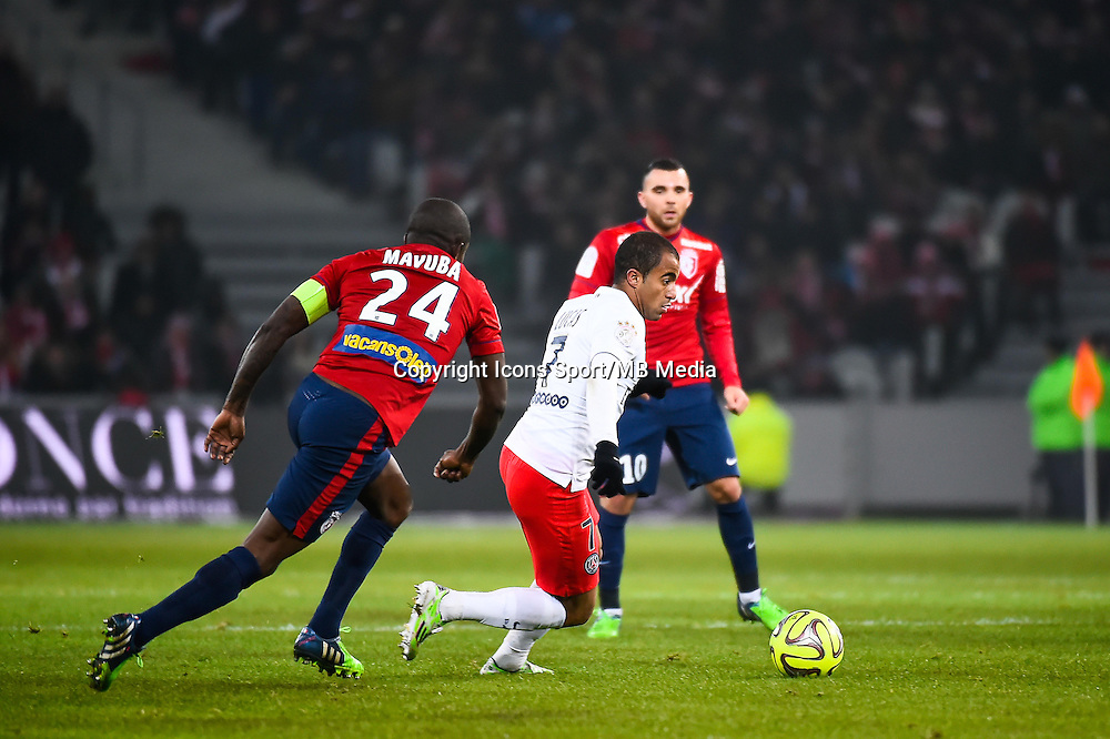 Rio MAVUBA / Lucas MOURA - 03.12.2014 - Lille / Paris Saint Germain - 16eme journee de Ligue 1 -<br />