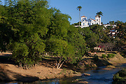 Pirenopolis_GO, Brasil...Regiao do Rio das Almas e Igreja Matriz Nossa Senhora do Rosario ao fundo em Pirenopolis, Goias...Rio das Almas region and Nossa Senhora do Rosaio Church in the Back in Pirenopolis, Goias...Foto: JOAO MARCOS ROSA / NITRO