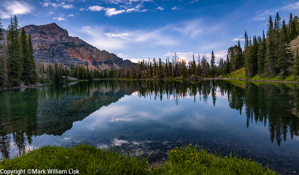 Ocalkens Lake sit at 9000 feet high in the northern edge of the White Cloud Range.