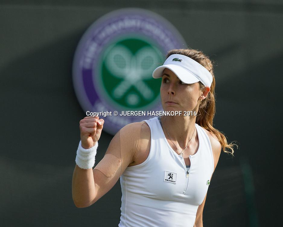 ALIZE CORNET (FRA) macht die Faust und jubelt, Jubel,Emotion,<br /> <br /> Tennis - Wimbledon 2016 - Grand Slam ITF / ATP / WTA -  AELTC - London -  - Great Britain  - 2 July 2016.