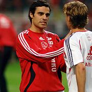 NLD/Amsterdam/20060928 - Voetbal, Uefa Cup voorronde 2006, Ajax - IK Start, Kenneth Perez in gesprek