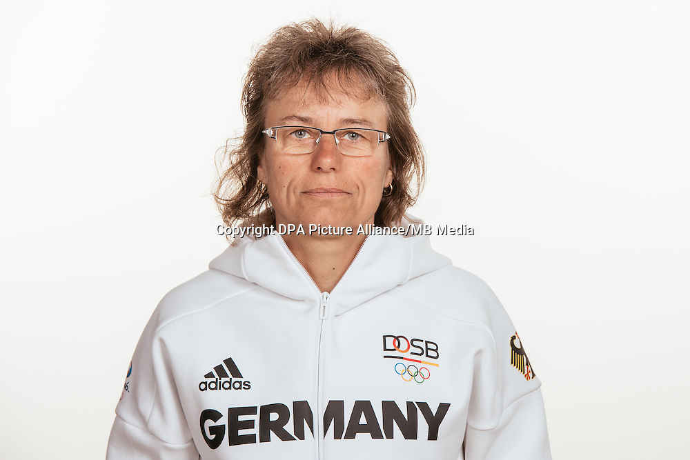 Ulrike Ballweg poses at a photocall during the preparations for the Olympic Games in Rio at the Emmich Cambrai Barracks in Hanover, Germany, taken on 15/07/16 | usage worldwide