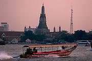 Chao Phraya River, Wat Arun (Temple of Dawn).