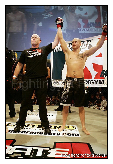 5- Joe Holder v Michael Brown.UCMMA Invincible..Troxy Theatre, London, England.7-8-2010