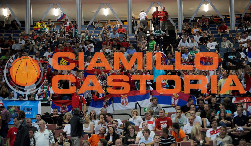 DESCRIZIONE : Katowice Poland Polonia Eurobasket Men 2009 Finale 1 2 posto Final 1st 2nd place Spagna Spain Serbia<br /> GIOCATORE : Tifosi Supporters Serbia<br /> SQUADRA : Serbia<br /> EVENTO : Eurobasket Men 2009<br /> GARA : Spagna Spain Serbia<br /> DATA : 20/09/2009 <br /> CATEGORIA :<br /> SPORT : Pallacanestro <br /> AUTORE : Agenzia Ciamillo-Castoria/N.Parausic<br /> Galleria : Eurobasket Men 2009 <br /> Fotonotizia : Katowice  Poland Polonia Eurobasket Men 2009 Finale 1 2 posto Final 1st 2nd place Spagna Spain Serbia<br /> Predefinita :