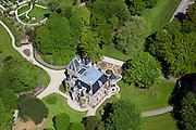 Nederland, Noord-Holland, Lisse, 12-05-2009; De Keukenhof, landgoed en kasteel, wordt verhuurd voor bruiloften en partijen, evenementen.Swart collectie, luchtfoto (toeslag); Swart Collection, aerial photo (additional fee required).foto Siebe Swart / photo Siebe Swart