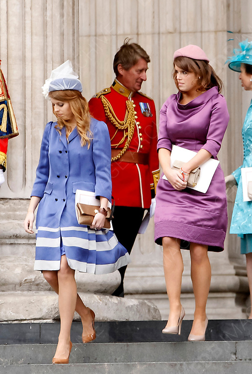 05.JUNE.2012. LONDON<br /> <br /> ROYALS LEAVING THE SERVICE OF THANKSGIVING AS PART OF THE QUEEN'S DIAMOND JUBILEE CELEBRATIONS AT ST PAUL'S CATHEDRAL IN LONDON<br /> <br /> BYLINE: EDBIMAGEARCHIVE.CO.UK<br /> <br /> *THIS IMAGE IS STRICTLY FOR UK NEWSPAPERS AND MAGAZINES ONLY*<br /> *FOR WORLD WIDE SALES AND WEB USE PLEASE CONTACT EDBIMAGEARCHIVE - 0208 954 5968*