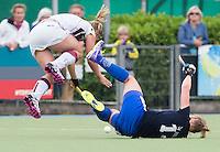 UTRECHT -  Marieke Dijkstra met Eva Weijmar Schultz tijdens de finale Veteranen hoofdklasse A dames tussen Kampong en Amsterdam. Kampong wint na shoot out. COPYRIGHT KOEN SUYK