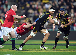 """Vaea Fifita of the Hurricanes, right, attempts to break the grip of Iain Henderson of the Lions in the International rugby match between the the Super Rugby Hurricanes and British and Irish Lions at Westpac Stadium, Wellington, New Zealand, Tuesday, June 27, 2017. Credit:SNPA / Ross Setford  **NO ARCHIVING"""""""