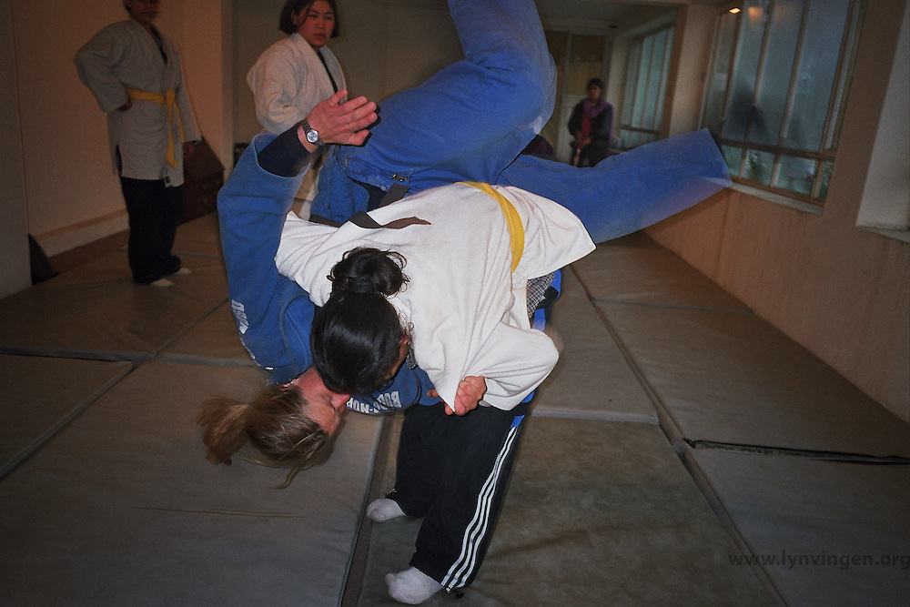 Norwegian judo trainers visiting Kabul, Afghanistan, as a part of tha Judo for fred (Judo for peace) program....- ....Norske judotrenere på besøk i Kabul, Afghanistan, ifm Judo for fred (JFF)
