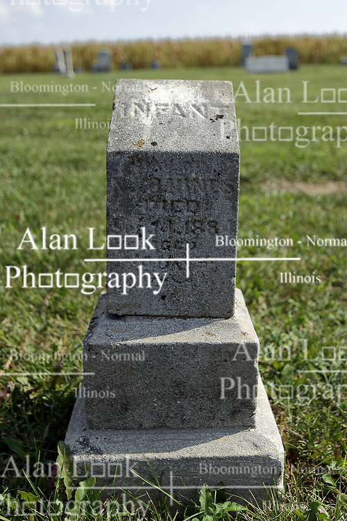 23 September 2017:   West Union Cemetery is located on the north side of Illinois Rt 9 between Danvers and Mackinaw.  It is located within McLean County