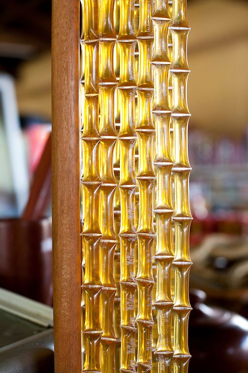 Nepomuceno_MG, Brasil...Mel em um comercio em Nepomuceno...Honey on a trade in Nepomuceno...Foto: LEO DRUMOND / NITRO