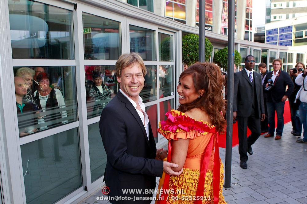 NLD/Rijswijk/20110620 - CD presentatie Patty Brard, Patty en partner Antoine van de Vijver
