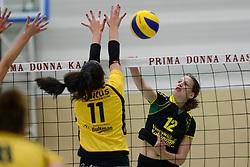 25-10-2014 NED: Prima Donna Kaas Huizen - SV Dynamo Apeldoorn, Huizen<br /> Apeldoorn pakt de drie punten door Huizen met 3-0 te verslaan / Meike Martijn