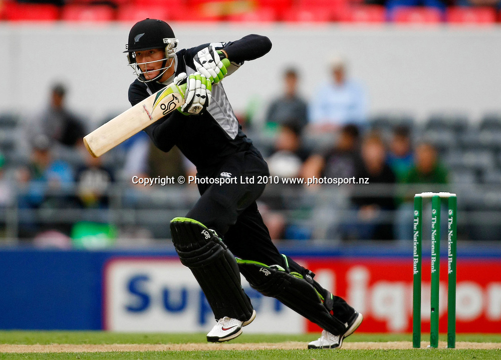 Blackcaps batsman Martin Guptill. International One Day Cricket, New Zealand Blackcaps v Bangladesh, AMI Stadium, Christchurch, New Zealand. Thursday 11 February 2010. Photo: Simon Watts/PHOTOSPORT