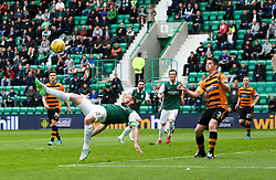 Hibernian's David Gray and Alloa Athletic's Dougie Hill. <br /> Hibernian 3 v 0 Alloa Athletic, Scottish Championship game played 12/9/2015 at Easter Road.