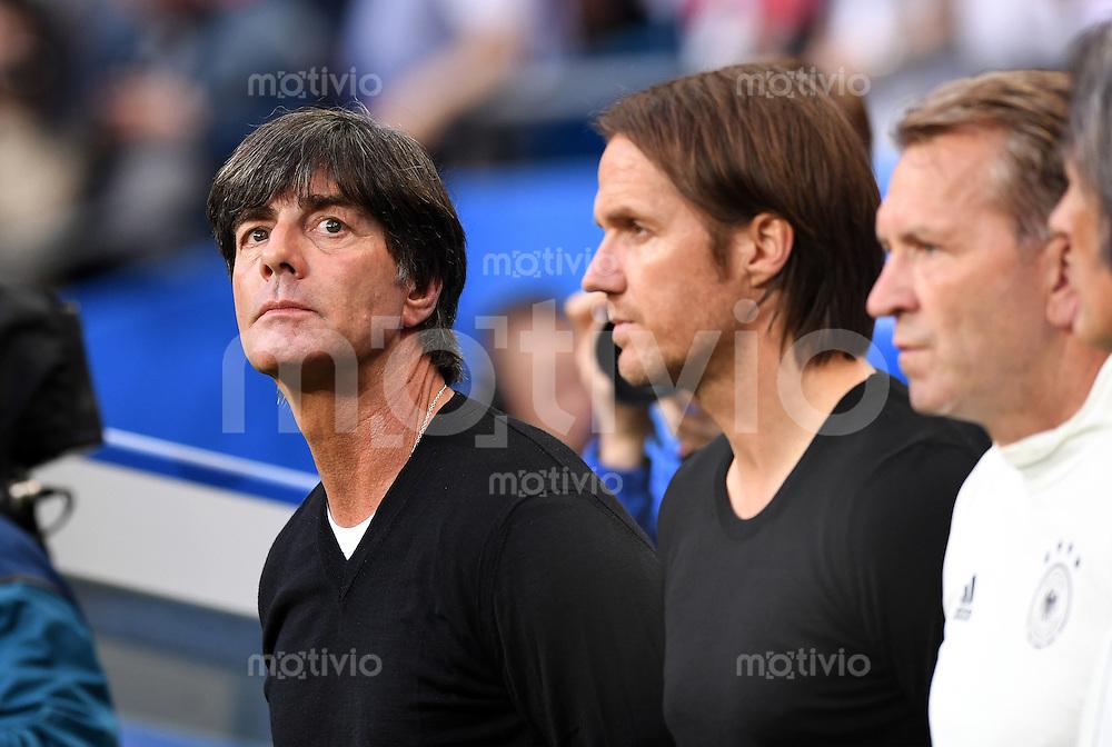 FUSSBALL EURO 2016 GRUPPE C IN PARIS Deutschland - Polen    16.06.2016 Trainer Joachim Loew (li, Deutschland)