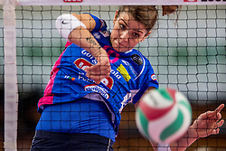 27-11-2016 ITA: Gorgonzola Igor Volley Novara - Nordmeccanica Modena, Novara<br /> Nova wint in drie sets van Modena / Cristina Chirichella #10