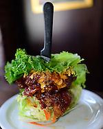 USA: California: Los Angeles County, Los Angeles, Pasadena: Asian chicken at Slater's 50/50