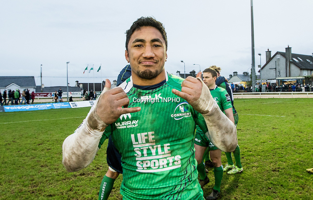 Guinness PRO12, The Sportsground, Galway 30/1/2016<br /> Connacht vs Scarlets<br /> Connacht's Bundee Aki celebrates after the game<br /> Mandatory Credit &copy;INPHO/James Crombie