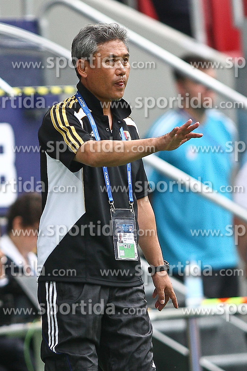 17.07.2010,  Augsburg, GER, FIFA U20 Womens Worldcup, Nigeria vs Japan,  im Bild Norio Sasaki (Coach Japan) , EXPA Pictures © 2010, PhotoCredit: EXPA/ nph/ . Straubmeier+++++ ATTENTION - OUT OF GER +++++ / SPORTIDA PHOTO AGENCY