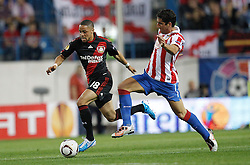 30.09.2010, Vicente Calderon Stadion, Madrid, UEFA EL, Atletico de Madrid vs Bayer 04 Leverkusen, im Bild Atletico Madrid's Raul Garcia and Bayer Leverkusen's  Sidney Sam during UEFA Europe League. EXPA Pictures © 2010, PhotoCredit: EXPA/ Alterphotos/ Cesar Cebolla +++++ ATTENTION - OUT OF SPAIN / ESP +++++