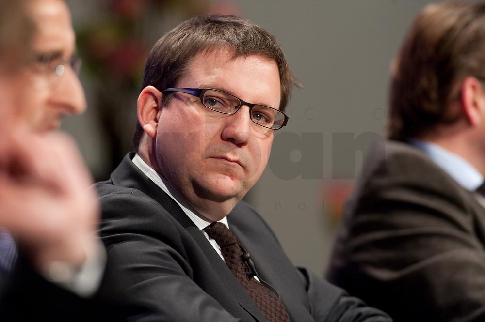 """11 JAN 2010, KOELN/GERMANY:<br /> Stefan Ruppert, MdB, FDP, Podiumsdiskussion, dbb Jahrestagung """"Europa nach Lissabon - Fit fuer die Zukunft?"""", Messe Koeln<br /> IMAGE: 20100111-01-192"""