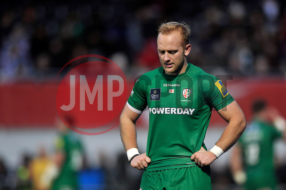 Shane Geraghty of London Irish looks dejected after being replaced - Photo mandatory by-line: Patrick Khachfe/JMP - Mobile: 07966 386802 03/01/2015 - SPORT - RUGBY UNION - London - Allianz Park - Saracens v London Irish - Aviva Premiership