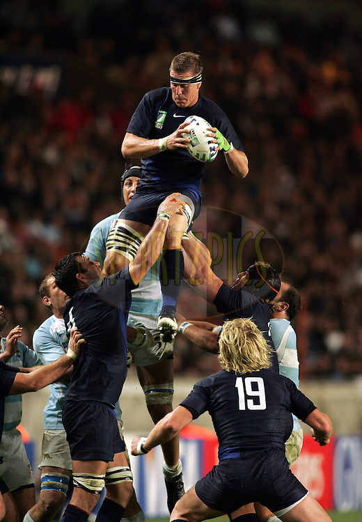Rugby World Cup, France v Argentina, 19 October 2007. Imanol Harinordoquy claims the lineout ball at the Parc des Princes, Paris, France. Friday 19 October 2007. Photo: Ron Gaunt/Sportzpics.net