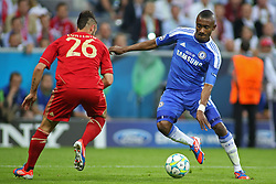 19.05.2012, Allianz Arena, Muenchen, GER, UEFA CL, Finale, FC Bayern Muenchen (GER) vs FC Chelsea (ENG), im Bild Bayern's German defender Diego Contento and Chelsea's Ivory Coast forward Salomon Kalou in action during the Final Match of the UEFA Championsleague between FC Bayern Munich (GER) vs Chelsea FC (ENG) at the Allianz Arena, Munich, Germany on 2012/05/19. EXPA Pictures © 2012, PhotoCredit: EXPA/ Mitchel Gunn