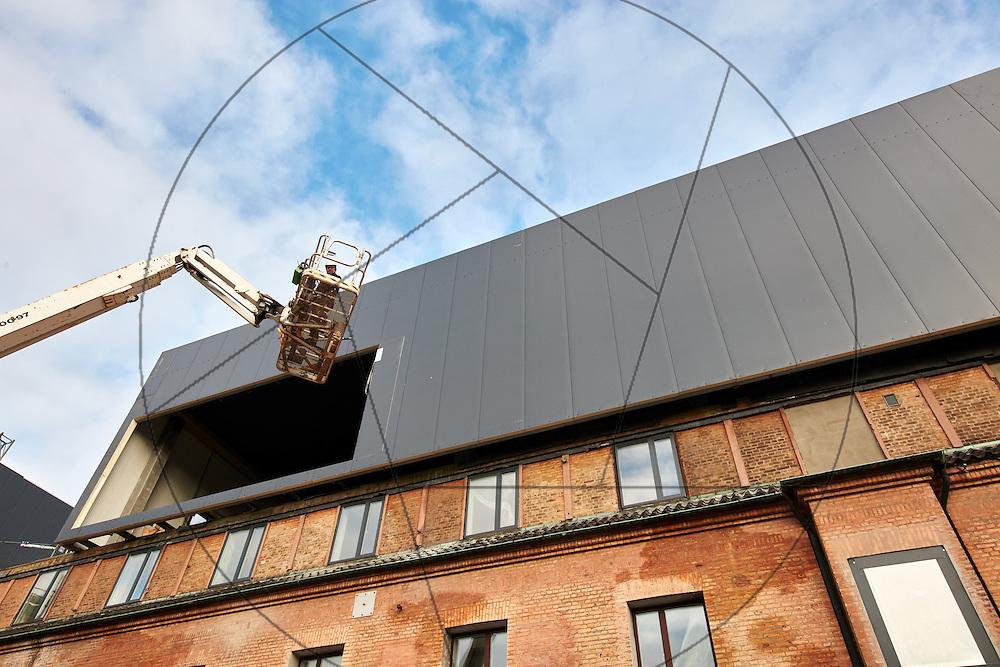 Bygning af nyt Experimentarium efter brand, Tuborg Havn, facader, glas, aluminium, finish, stillads