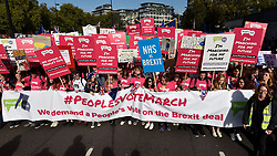 © Licensed to London News Pictures. 20/10/2018. LONDON, UK. Young people at the head of the march.  Thousands of people take part in a demonstration, organised by the People's Vote campaign, beginning with a march from Park Lane to a rally in Parliament Square.  The People's Vote seeks a referendum on the outcome of the final Brexit negotiations ahead of 29 March 2019, the date that the UK is due to leave the EU.  Photo credit: Stephen Chung/LNP