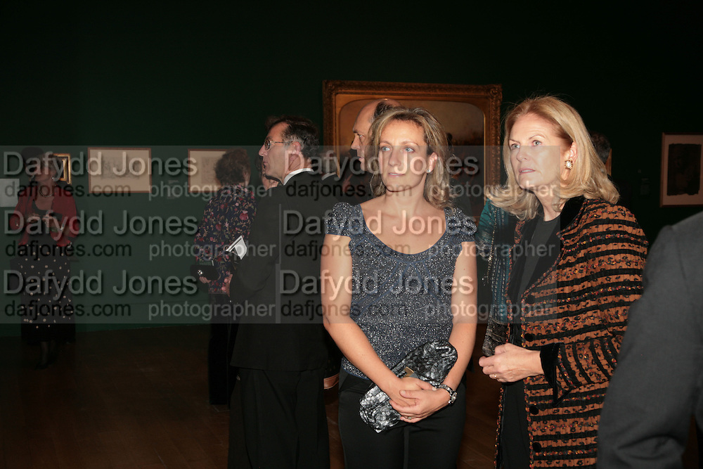 Samantha Hunt and Teresa Sackler, Millais exhibition opening and Dinner. Tate Gallery. 24 September 2007. -DO NOT ARCHIVE-© Copyright Photograph by Dafydd Jones. 248 Clapham Rd. London SW9 0PZ. Tel 0207 820 0771. www.dafjones.com.
