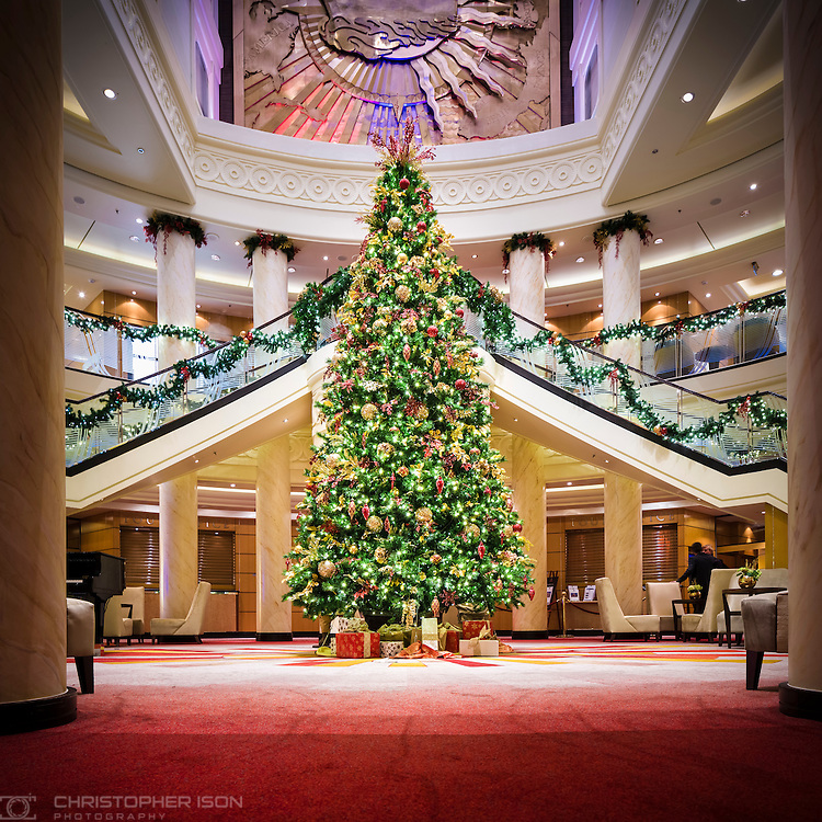 The Christmas tree in the Grand Lobby on board Cunard's Queen Mary 2.<br /> Picture date: Thursday December 15, 2016.<br /> Photograph by Christopher Ison &copy;<br /> 07544044177<br /> chris@christopherison.com<br /> www.christopherison.com