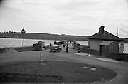 01/02/1957<br /> 02/01/1957<br /> 01 February 1957<br /> View of the bridge over the Blackwater river near Youghal, Co. Cork.