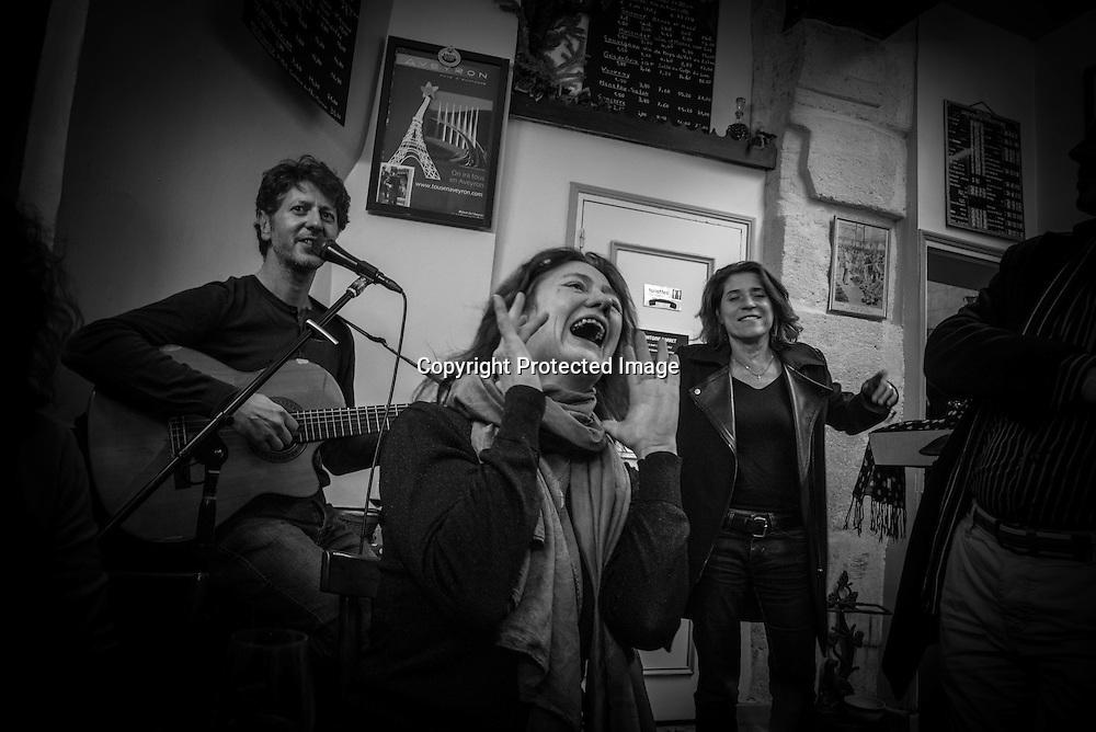 France. Paris. 3rd diistrcit, Le Bougnat, cafe restaurant in le Marais. music show of Antoine Barret singing Brassens