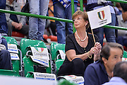 DESCRIZIONE : Beko Legabasket Serie A 2015- 2016 Dinamo Banco di Sardegna Sassari -Vanoli Cremona<br /> GIOCATORE : Tifosi Pubblico Spettatori<br /> CATEGORIA : Tifosi Pubblico Spettatori Before Pregame<br /> SQUADRA : Dinamo Banco di Sardegna Sassari<br /> EVENTO : Beko Legabasket Serie A 2015-2016<br /> GARA : Dinamo Banco di Sardegna Sassari - Vanoli Cremona<br /> DATA : 04/10/2015<br /> SPORT : Pallacanestro <br /> AUTORE : Agenzia Ciamillo-Castoria/L.Canu