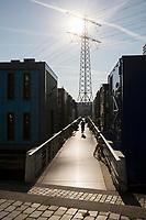 Steigereiland waterwoningen, drijvend dorp. Nieuwbouw op het eerste eiland van IJburg gezien vanuit Amsterdam.
