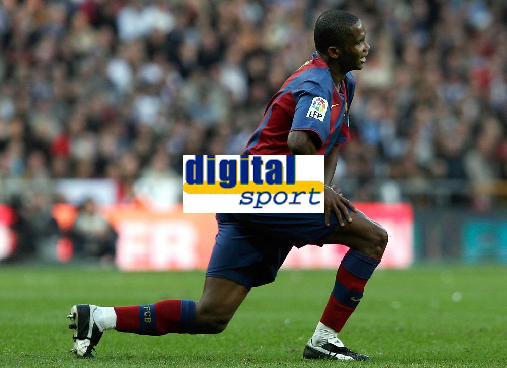 Fotball<br /> Spania 2004/05<br /> Real Madrid v Barcelona<br /> 10. april 2005<br /> Foto: Digitalsport<br /> NORWAY ONLY<br /> Samuel Eto`o Barcelona