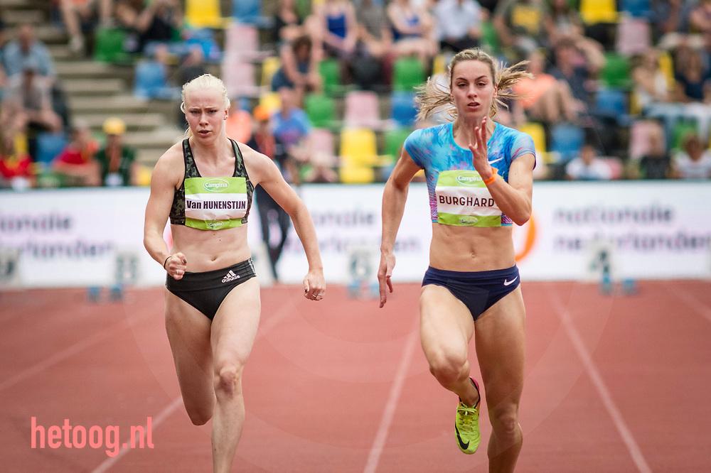 Nederland, Hengelo 11juni2017 FBK Games Alexandra Burghart (Ger)wint nipt van de nederlandse  Marije van Hunenstijn op de 100 m Bloop voor vrouwen.