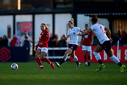 Ebony Salmon of Bristol City is marked by Rhiannon Roberts of Liverpool Women - Mandatory by-line: Ryan Hiscott/JMP - 19/01/2020 - FOOTBALL - Stoke Gifford Stadium - Bristol, England - Bristol City Women v Liverpool Women - Barclays FA Women's Super League