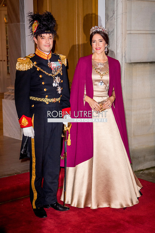 1-1-2017 - COPENHAGEN - Crownprince Frederik and Crownprincess Mary of Denmark arrive at the annual New Years reception in Amalienborg Palace in Copenhagen, Denmark , Danish royal family attend New Years reception 2017 COPYRIGHT ROBIN UTRECHT<br /> 2017/01/01 - KOPENHAGEN - Kroonprins Frederik en Crownprincess Mary van Denemarken aankomt op de jaarlijkse nieuwjaarsreceptie in Amalienborg in Kopenhagen, Denemarken, de Deense koninklijke familie wonen Nieuwjaarsreceptie 2017 COPYRIGHT ROBIN UTRECHT