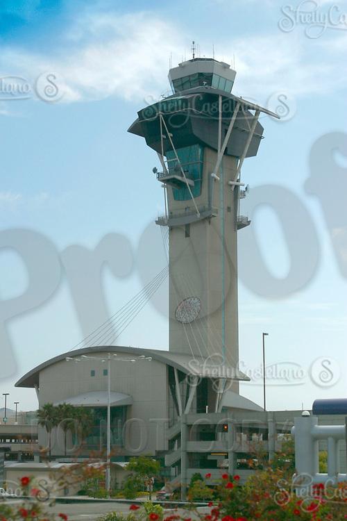 Jul 04, 2002; Los Angeles, CA, USA; Air control tower at Los Angeles International airport.<br />Mandatory Credit: Photo by Shelly Castellano/ZUMA Press.<br />(&copy;) Copyright 2002 by Shelly Castellano
