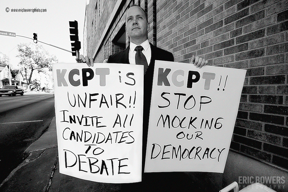 LIbertarian Senate Candidate Jonathan Dine protests KCPT's excluding of his participlation in the televised Senate race debate for the 2010 midterm elections.