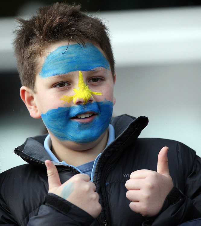 A young Argentina supporter at their Rugby World Cup captains run, Rugby Park, Invercargill, New Zealand, Friday, September 16, 2011. Credit:SNPA / Dianne Manson.