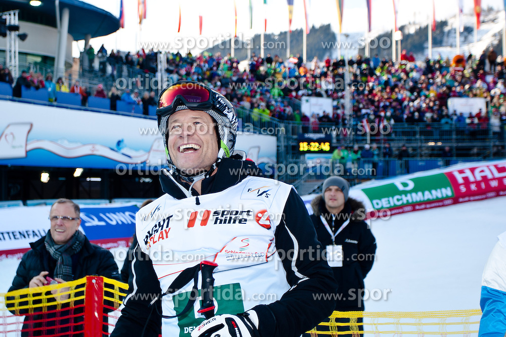 10.02.2013, Planai, Schladming, AUT, FIS Weltmeisterschaften Ski Alpin, Sporthilfe Charity Race, im Bild Sportkommentator und Ex-Skirennlaufer Armin Assinger // Sports commentator Armin Assinger at the Sporthilfe charity race during FIS Ski World Championships 2013 at the Planai Course, Schladming, Austria on 2013/02/10. EXPA Pictures © 2013, PhotoCredit: EXPA/ Markus Casna