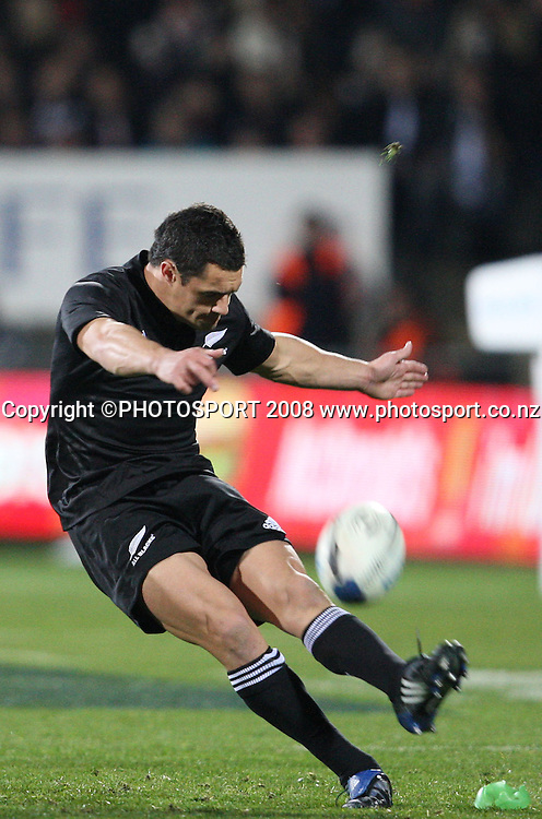 Dan Carter moves in to kick another 3 points.<br /> Phillips Tri Nations. All Blacks v South Africa, Carisbrook, Dunedin, New Zealand. Saturday 12 July 2008. Photo: Rob Jefferies/PHOTOSPORT